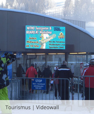 LED Screen in Skigebiet von WIPAmedia
